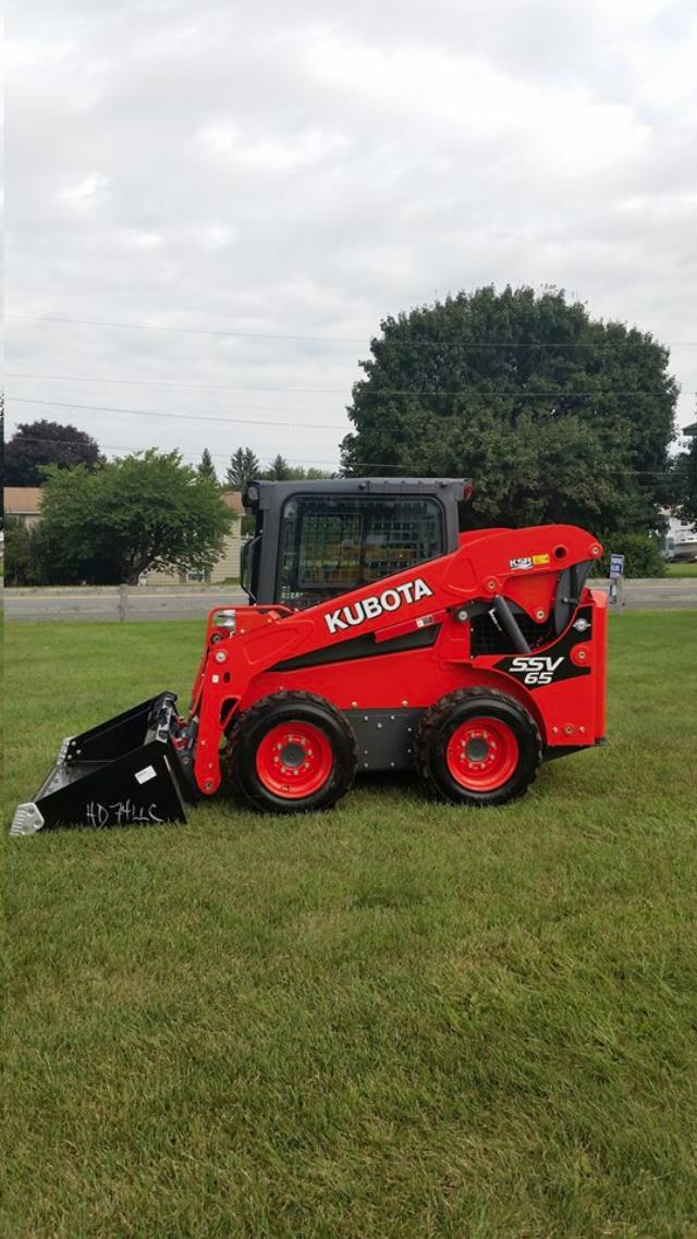 Where to find SKIDLOADER, KUBOTA SSV65, 1950LB. in Reading
